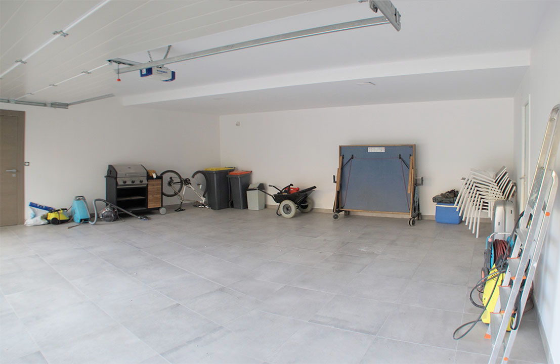 Garage Porsche avant travaux Carea Design